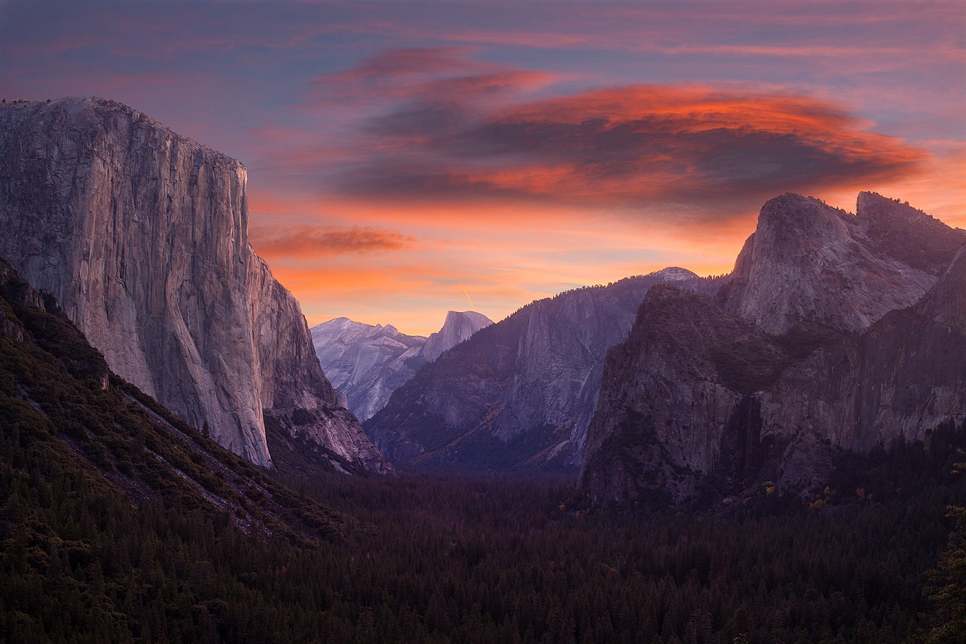 Sunrise in Yosemite, photo